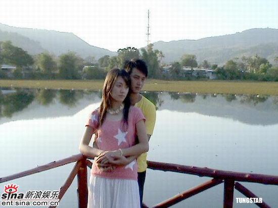 组图:吴浩康赴泰国拍摄MV称拍摄旅程很开心