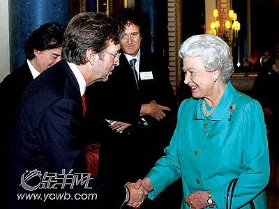 英女王不识摇滚滋味众明星不介意一无所知(图)