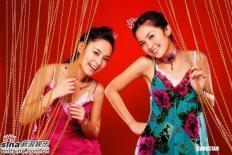 组图:Twins推出首张国语专辑赠歌迷精彩写真