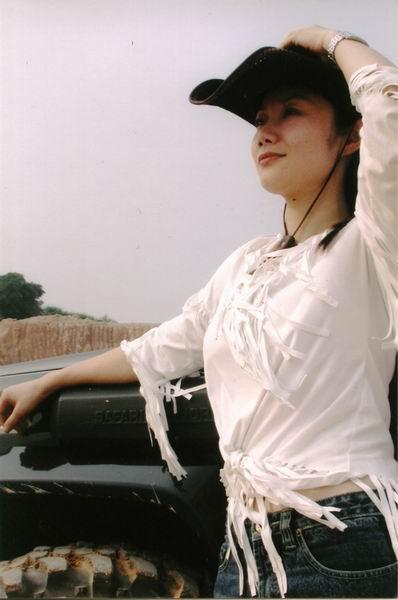 资料图片:中国网络歌手刘小幻将与你亲密接触