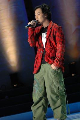 """陈奕迅炮轰香港乐坛""""这不是属于巨星的时代"""""""