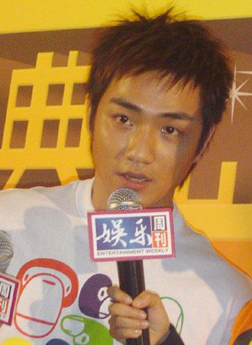 组图:施文斌廖碧儿当选未来巨星颁奖7月举行
