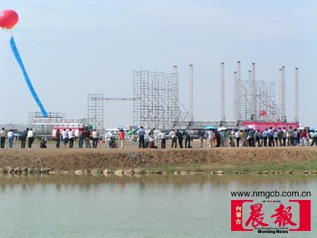 组图:内蒙古那达慕大会开幕将与摇滚同狂