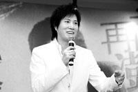 潘安邦自认不像费玉清北京即将开个唱(附图)