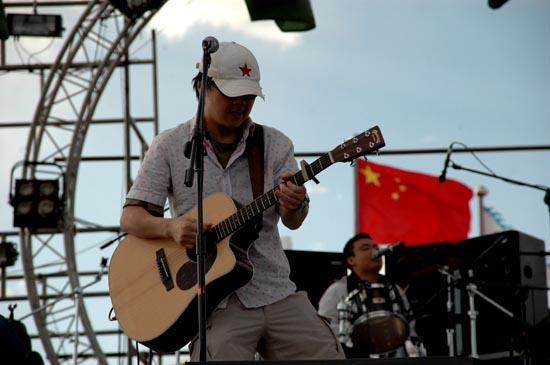 组图:草原音乐节昨日在内蒙古格根塔拉落幕