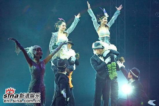 图文:Twins演唱会登陆工体--热歌劲舞