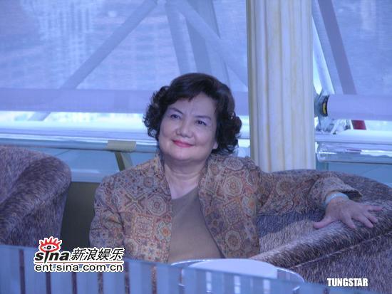 组图:李泉妈妈力挺儿子发新碟孔祥东到场祝福