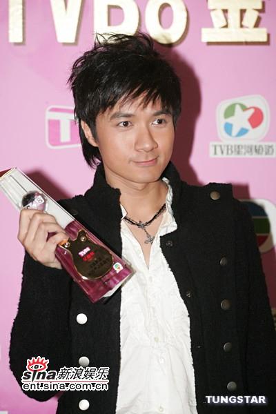 图文:古巨基《劲歌金曲》为最受欢迎粤语歌曲