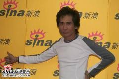 齐秦抱病来新浪和网友共享12月31日北京演唱会