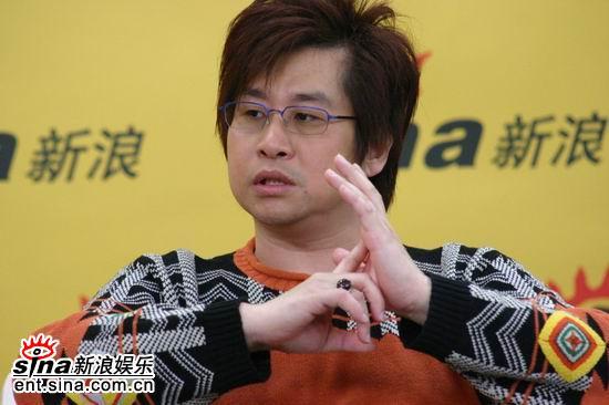 图文:歌手郑智化希望女儿的心灵富裕、健康