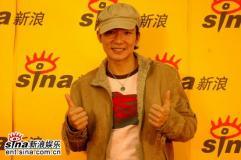 刘�u宏做客新浪聊新专辑《彩虹天堂》感谢网友