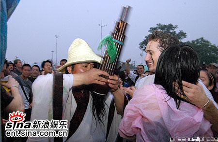 图文:2006迷笛音乐节第四天-吹笙的艺人