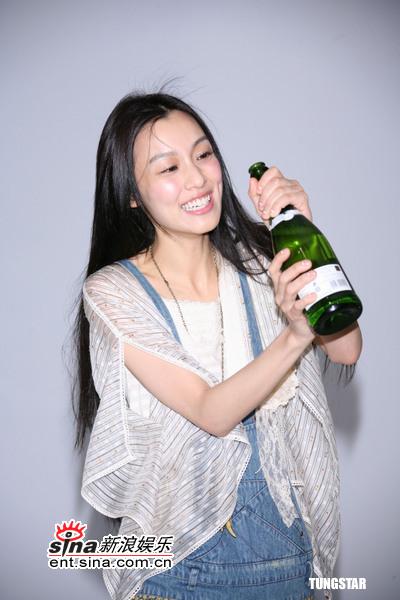 组图:范玮琪入围金曲奖抱怨爱人求婚没动作