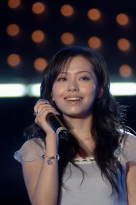 组图:超女演唱会浙江举行张靓颖献唱几次失声