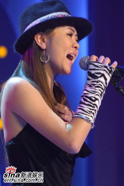 图文:超级女声杭州50进20--46号选手陈婷婷