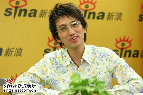 图文:林志炫做客新浪聊《出嫁》-家庭是第一位