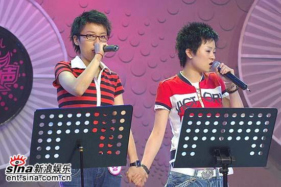 图文:超女杭州20进10--蔡礼梅与罗丹