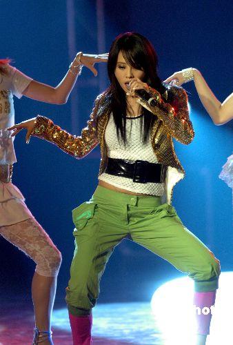 组图:蔡依林《舞娘》歌迷会扭腰摆臀卖弄性感