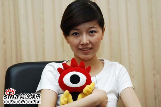 图文:超女杭州唱区7强做客新浪聊天-唐笑