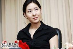杭州唱区7强郝菲尔做客新浪聊天实录(组图)
