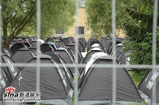 图文:丹麦ROSKILDE音乐节第一天-帐篷区