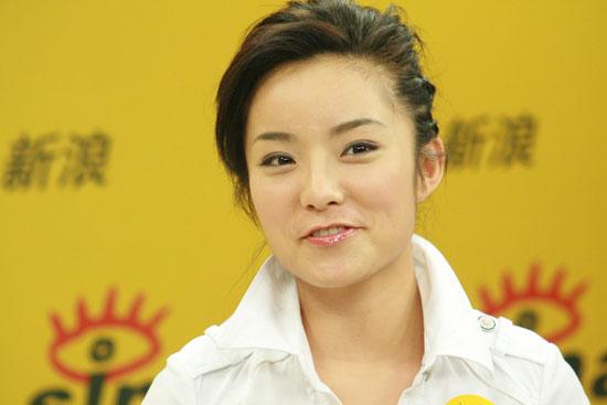 图文:赵媛媛做客新浪--获冠军和意外