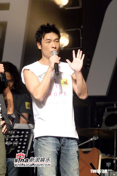 组图:许志安soler出席音乐会首次合作很新鲜