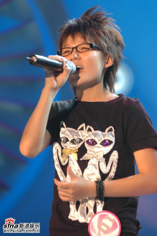 图文:超女广州10强赛--张晓洁中性气质