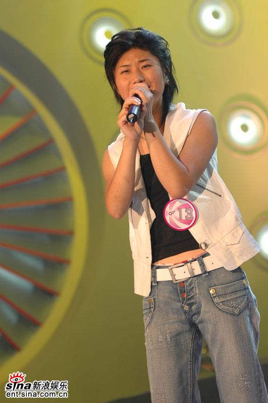 图文:超女广州10强晋级赛--尚雯婕充满自信