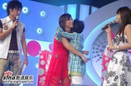 广州7进5上演断背拥吻晋级诚可贵友情价更高