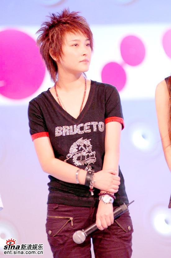图文:超女广州赛区决赛-长沙赛区冠军厉娜