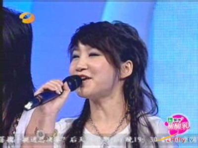 图文:超女广州赛区决赛-沈阳冠军艾梦萌
