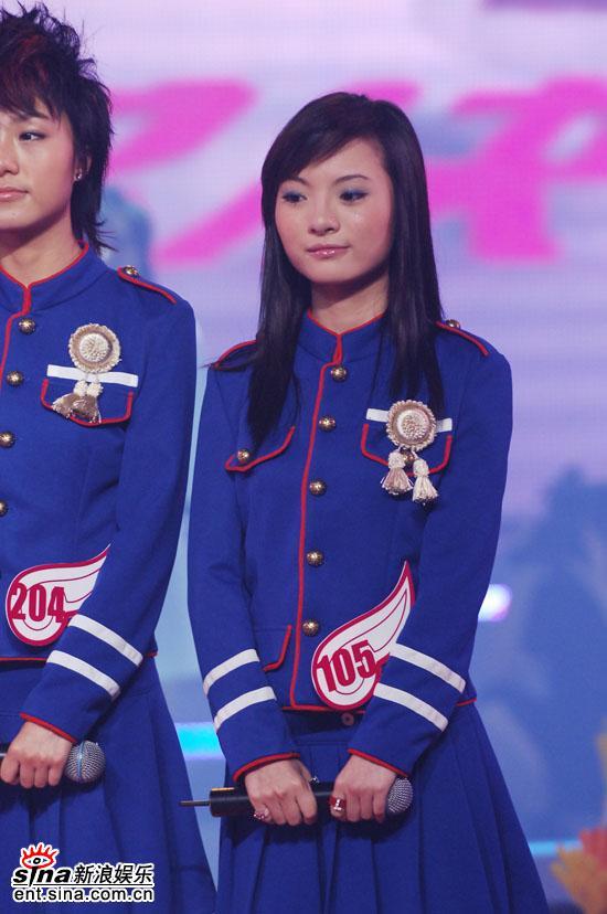 图文:06超级女声10强入围赛第一场-可爱胡灵