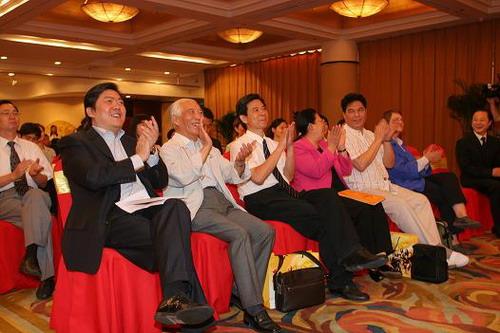 图文:第九届北京国际音乐节发布会--余隆与嘉宾