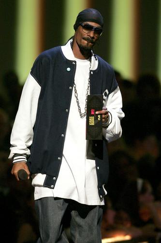 图文:饶舌歌手SnoopDogg现场表演