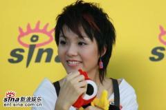 超女唐笑阳蕾朱雅琼做客新浪离开舞台已无遗憾