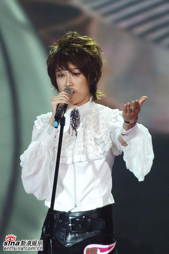 图文:2006超级女声总决赛--刘力扬忧伤嗓音
