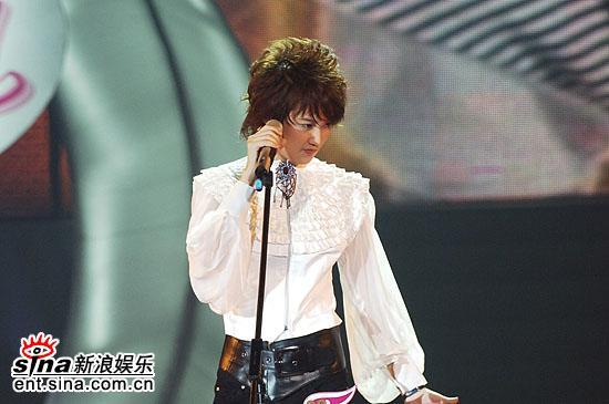 图文:2006超级女声总决赛--刘力扬独特魅力