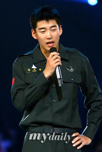 组图:KBS音乐会火热彩排文熙俊重返舞台