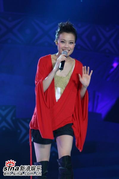 图文:南宁国际民歌节盛大开幕-问候南宁歌迷
