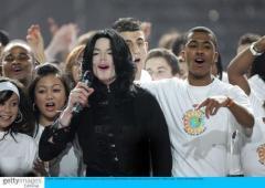 组图:世界音乐颁奖礼迈克尔-杰克逊获钻石奖