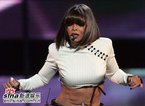 图文:06公告牌音乐奖--珍妮-杰克逊劲爆热舞