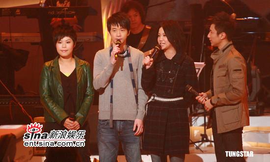 组图:光良钟镇涛关楚耀等出席TVB劲歌金曲节目