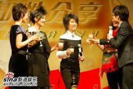 尚雯婕丁薇分享音乐《冬天来了》唱醉歌迷(图)
