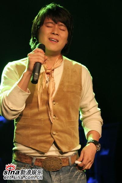 日本最黄的人体艺术_组图:韩星李在勋大碟首唱会与歌迷媒体狂欢; 小魔女玟玟人体艺术