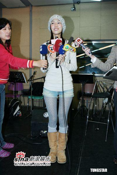 组图:范玮琪彩排音乐会纪念马兆骏与马嫂拥抱