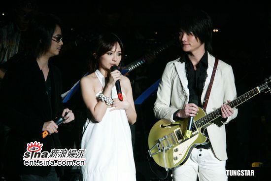 图文:马兆骏纪念音乐会--完美侧脸