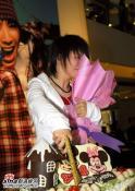 黄雅莉18岁成人礼举行与数百歌迷同度过(组图)