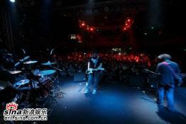 组图:NOFX北京演出掀人浪朋克教父赞北京乐迷