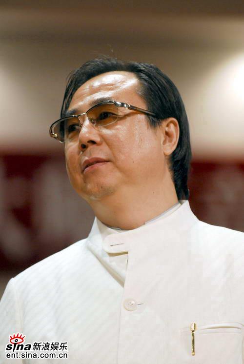 图文:郎朗07北大大师班音乐会--郎朗的父亲